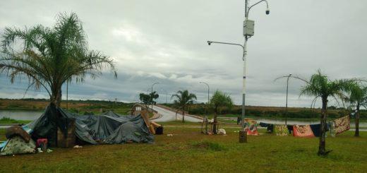 Desalojados de terrenos de la EBY aseguran no tener adónde ir y montaron un nuevo acampe en el Acceso Oeste de Posadas