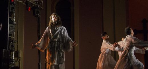 Arcano de Viernes Santo se presentó en Posadas: talento, calidad y una gran puesta en escena que se ganó la ovación de la gente