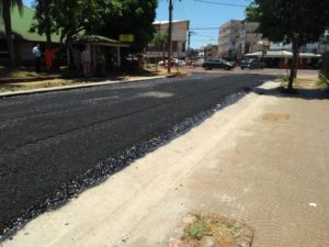 Posadas: Vialidad asfalta la avenida Andresito