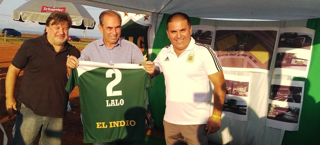 """El Presidente de Vialidad Provincial Leonardo """"Lalo"""" Stelatto recorrió el predio del club posadeño Andrés Guacurarí"""