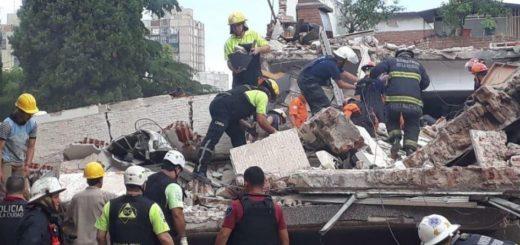 Se derrumbó un edificio en Buenos Aires: una persona murió atrapada entre los escombros