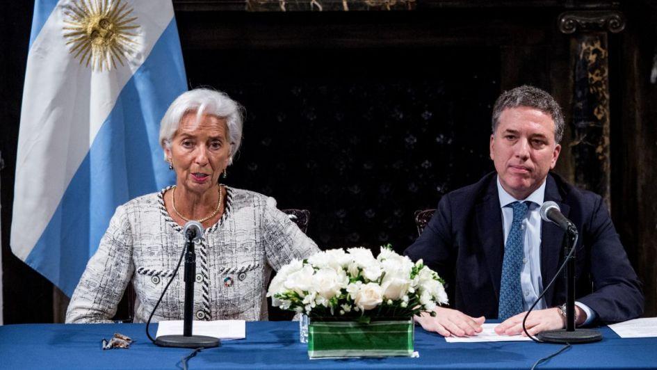 """El FMI reconoció que para el Gobierno es """"difícil controlar la inflación"""" y respaldó los cambios en la política monetaria"""