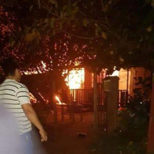 Puerto Iguazú: incendio destruyó por completo una vivienda de madera