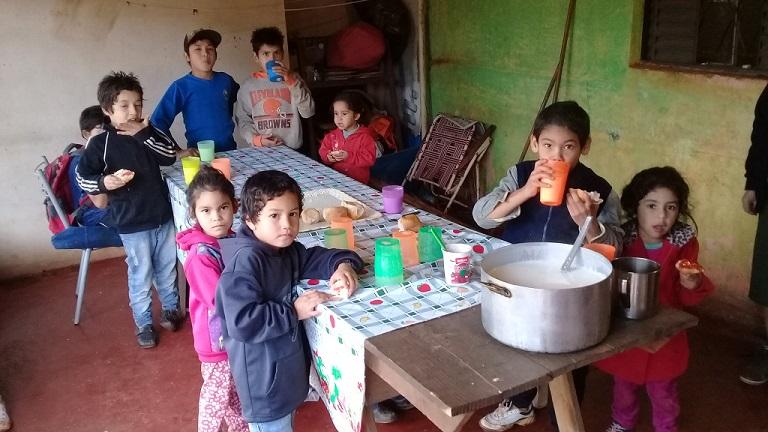 Movimiento Barrios de Pie exige que Nación solucione recortes de ayuda a merenderos y comedores
