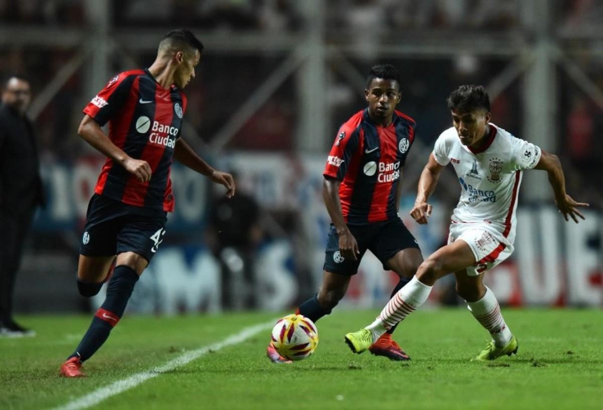 Copa de la Superliga: San Lorenzo y Huracán igualaron sin goles y dejaron la serie abierta