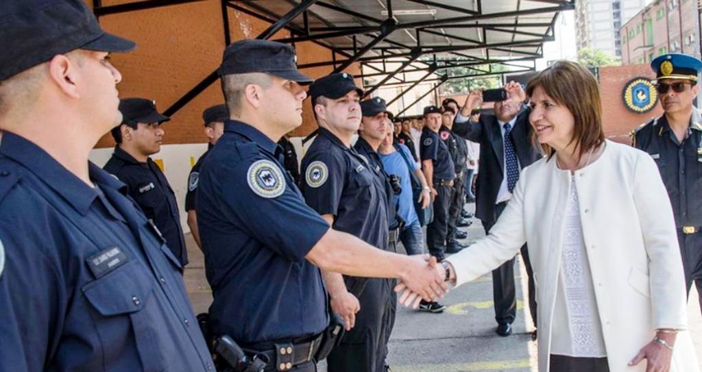 """Nación lanza una """"Oficina"""" para defender los derechos humanos de los policías"""