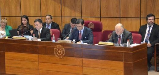 Senado paraguayo desbloquea parcialmente listas e incluye paridad de género