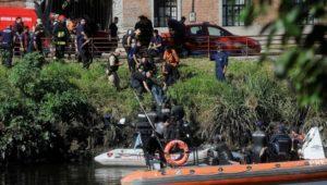 Tragedia en el Riachuelo: cayó un auto durante la madrugada y murió ahogado un nene de 8 años