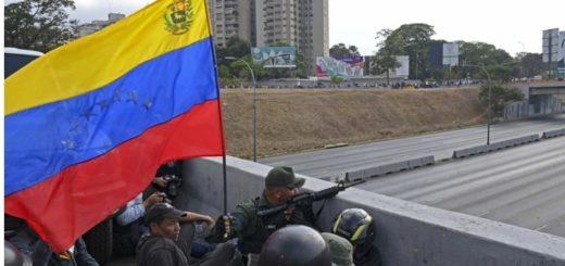 Estalla Venezuela: se concentran cientos de partidarios de Maduro