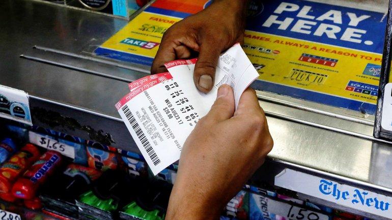 Apostó al número equivocado y ganó la lotería