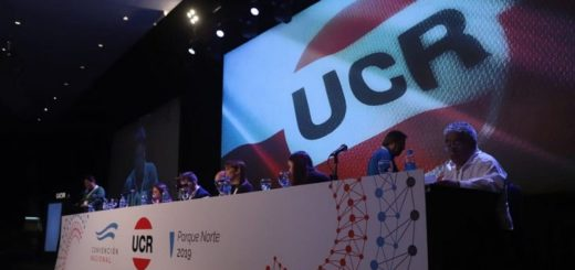"""La UCR ratificó su pertenencia a Cambiemos, pero pidió """"un frente más amplio"""""""
