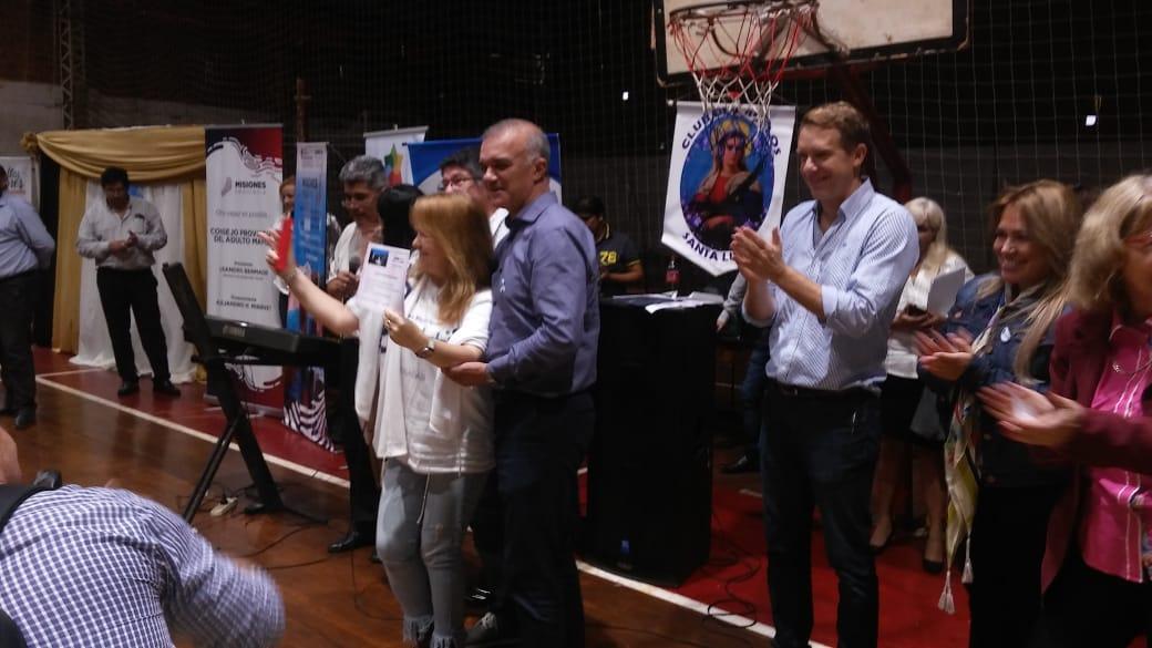 Los adultos mayores de Misiones celebraron a la Patria con un festival en Posadas