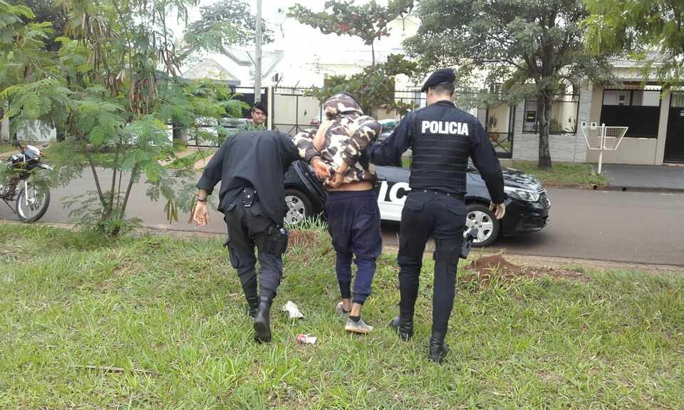 Posadas: policías sorprendieron y capturaron a «motochorros» que huían tras robarle a un menor