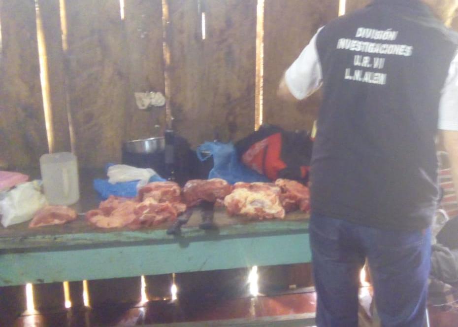 Alem: policías detuvieron a un hombre investigado por abigeato y secuestraron carne faenada
