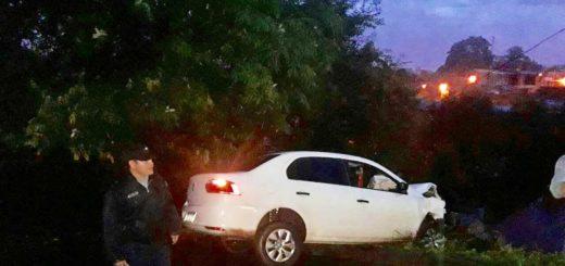 Eldorado: despiste en la curva de calle La Colina