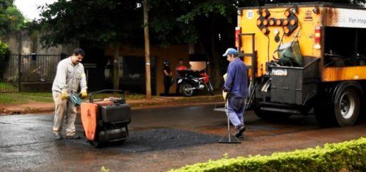 El municipio concretó trabajos de bacheo sobre las avenidas Rademacher, Santa Cruz y Comandante Espora de Posadas