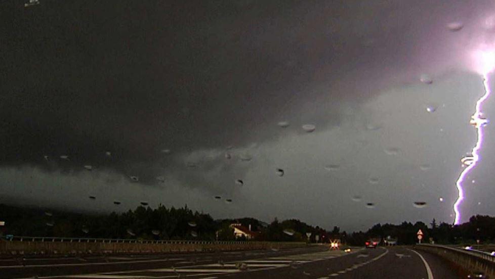 Viernes con tormentas eléctricas y chaparrones en Misiones