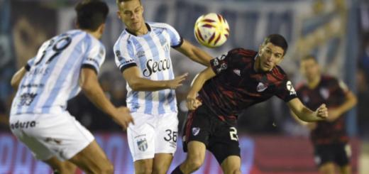 River sufrió y fue goleado 3 a 0 por Atlético Tucumán en la Copa de la Superliga