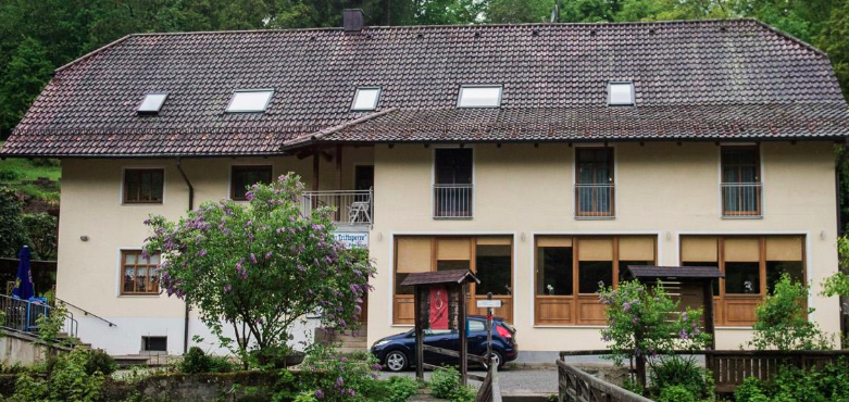Misterio en Alemania: mataron a tres personas a flechazos en un hotel de lujo