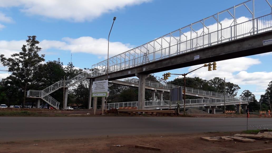 """Avanzan las obras en el Puente Peatonal UNAM y """"pronto estará disponible para el uso de la comunidad"""""""