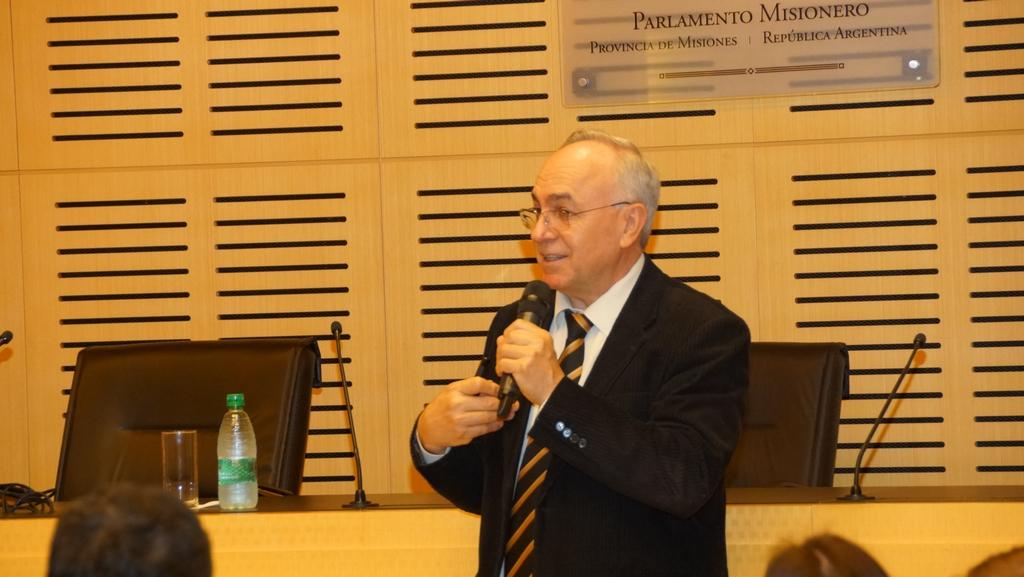 """""""En Misiones, el cooperativismo tiene muchas oportunidades de crecimiento"""", afirmó doctor en economía brasileño"""