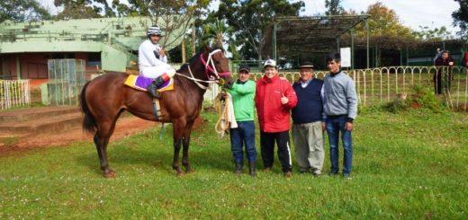 El Hipódromo Belgrano de Posadas cumplió 31 años y lo celebró con su popular gala de carreras