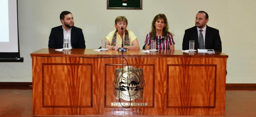 Se presentaron las jornadas de capacitación en temas de violencia familiar para el personal de la Policía de Misiones