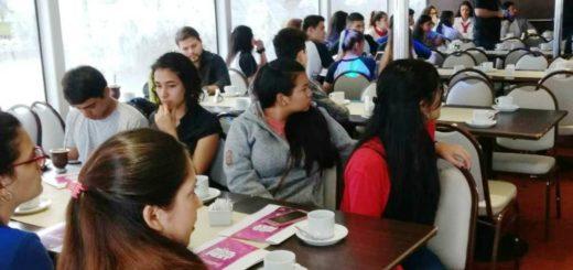 El programa #ConozcoMisiones brindó una charla sobre el voto joven a estudiantes secundarios