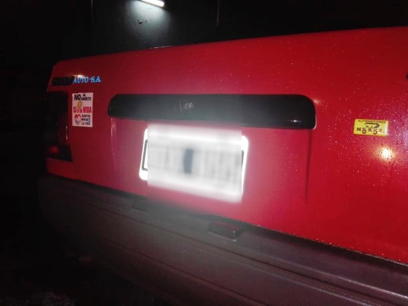 En operativos de prevención, policías recuperaron un auto que fue robado en el centro de Posadas