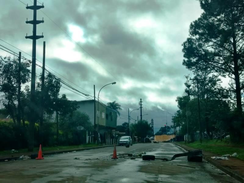 Cortes y protestas en Itaembé Mini: comerciantes afectados por la falta de circulación piden soluciones