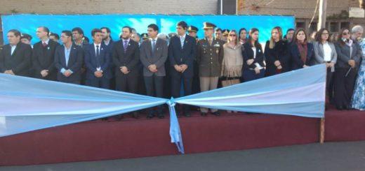 25 de Mayo: Losada encabezó el acto central en Posadas