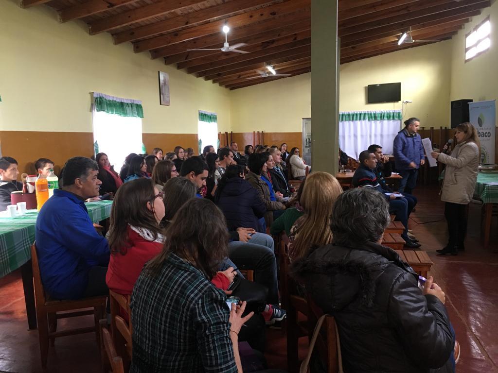 Revalorizan la función de la escuela en el contexto rural con capacitaciones a docentes