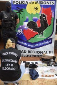 """Doble golpe al narcomenudeo en Eldorado: con la colaboración de """"Magnum"""", la Policía desbarató un kiosco de marihuana y otro de anfetaminas"""
