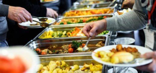 ¿Cómo prevenir intoxicaciones alimentarias en casa o eventos?
