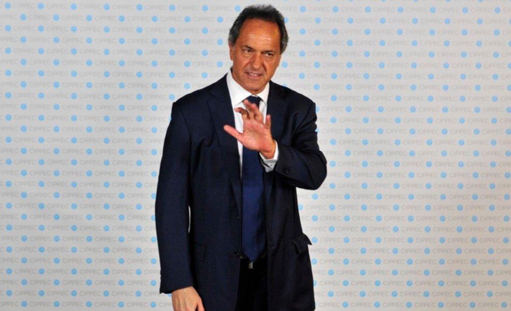 Daniel Scioli se reunió con empresarios y ratificó su precandidatura presidencial