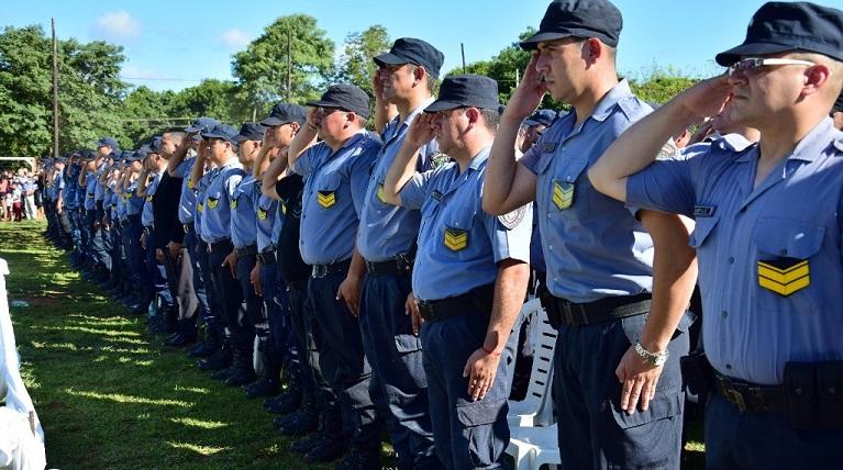 El ministro de Gobierno Marcelo Pérez destacó la permanente capacitación de la Policía para poder brindar más seguridad a los misioneros