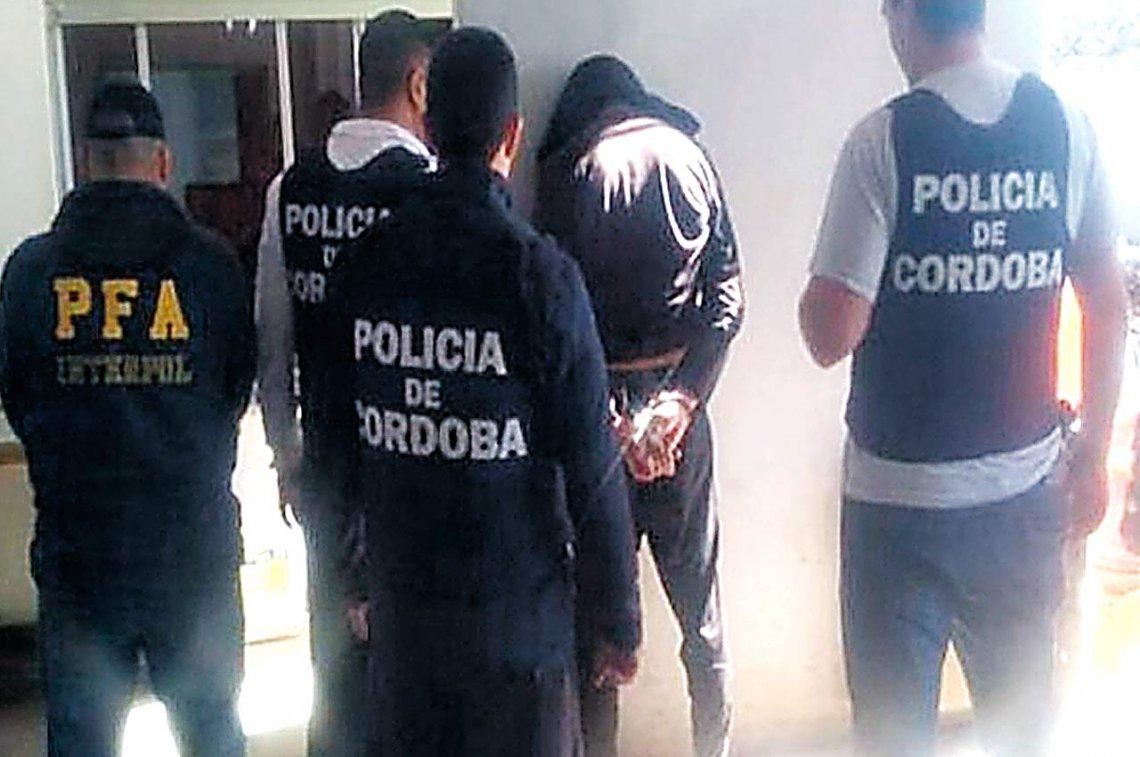 Manejaba un negocio de comidas en Córdoba, pero huía de la justicia por casi una década