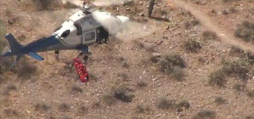 Video: casi se cae al vacío mientras la rescataban en un helicóptero