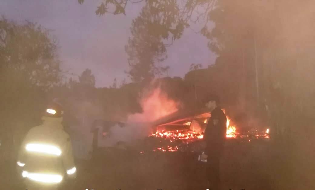 Se incendió una casa y falleció un bebé en Dos de Mayo