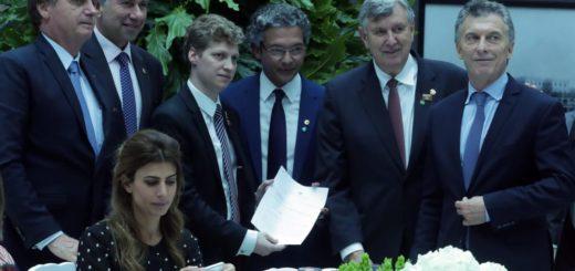 Schiavoni en la recepción del presidente Bolsonaro