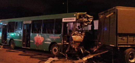 Posadas: asciende a 31 la cifra de heridos por el accidente entre un colectivo urbano y un camión del ejército
