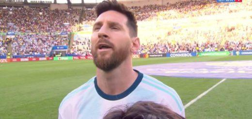Messi cantó el himno antes del partido contra Venezuela