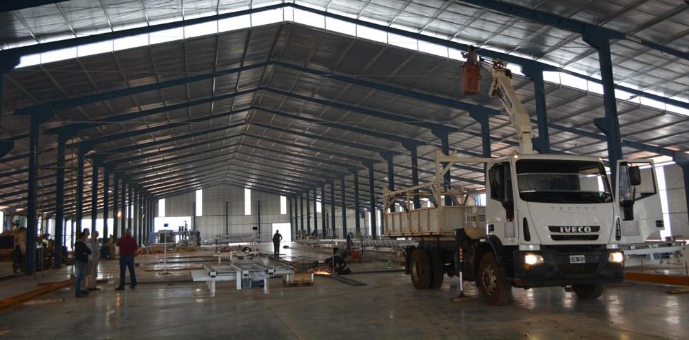 Se inaugurará oficialmente el 28 de junio la moderna fábrica de viviendas industrializadas de madera que funcionará en el Parque Industrial Posadas