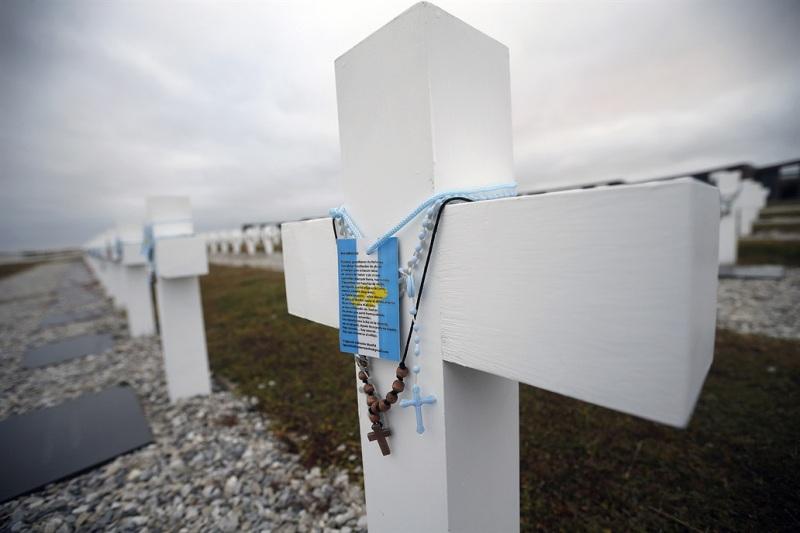 Identifican a otro soldado argentino enterrado en el cementerio de Darwin