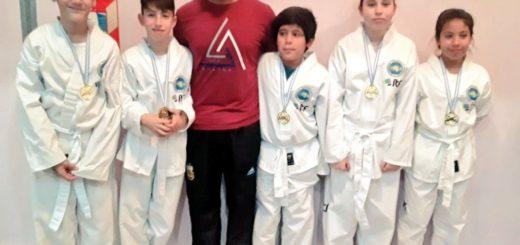 Jóvenes de la Escuela Municipal de Taekwon-do obtuvieron siete medallas en un torneo nacional