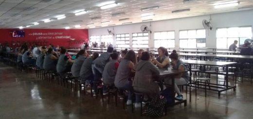 Trabajadores despedidos de Dass pudieron finalmente ingresar a la fábrica este mediodía