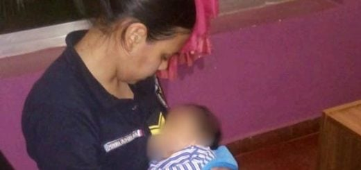 Un hombre llevó a su bebé a la comisaría porque su madre alcoholizada no quería amamantarlo e intentó agredirlo