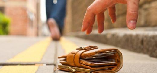 Dejaron miles de billeteras en la calle para medir la honestidad de las personas en diferentes países: ¿Cuál fue el resultado en Argentina?