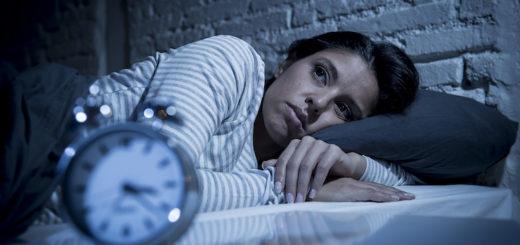 ¿Por qué dormir poco puede contribuir al aumento de peso?