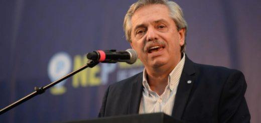 Alberto Fernández estará internado hasta mañana por chequeos de rutina